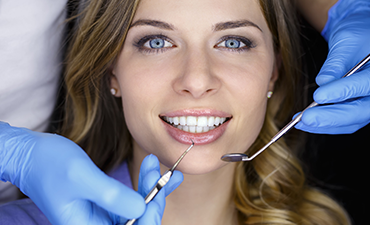 Cosmetic Dentist in Florence